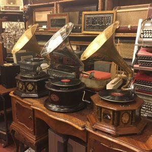 Antika Görünümlü Gramofonlar